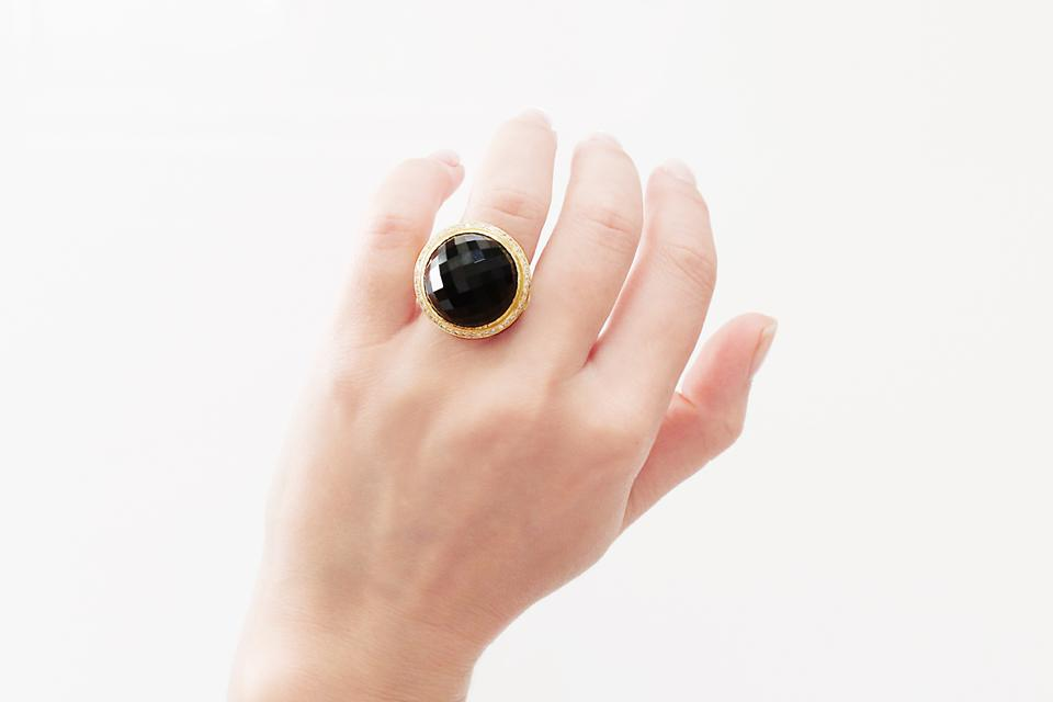 18ct Yellow Gold, Onyx and Diamond Ring